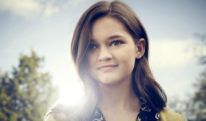 Ciara Bravo, an American actress and voice actress. Check out her biography, height, weight, body measurements, age, boyfriend, family, net worth and facts.