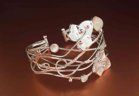 Ivy bracelet cuff