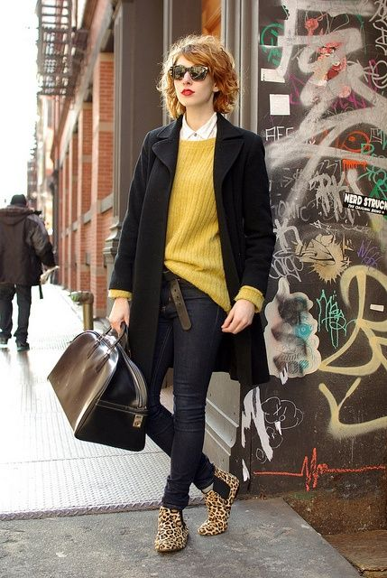 Make a black coat and navy skinny jeans your outfit choice for an effortless kind of elegance. A pair of tan leopard leather chelsea boots will be a stylish addition to your outfit.  Shop this look for $423:  http://lookastic.com/women/looks/sunglasses-dress-shirt-oversized-sweater-coat-belt-skinny-jeans-duffle-bag-chelsea-boots/5824  — Brown Leopard Sunglasses  — White Dress Shirt  — Mustard Oversized Sweater  — Black Coat  — Dark Brown Leather Belt  — Navy Skinny Jeans  — Dark Brown ...