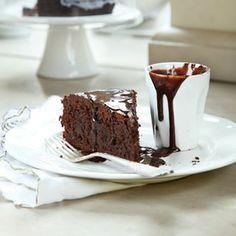 מתכון לעוגת שוקולד ושקדים מבולוניה - על השולחן