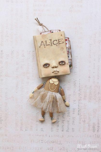 Collectible handmade doll.Я знаю, кем была сегодня, когда проснулась, но с тех пор я уже несколько раз менялась.