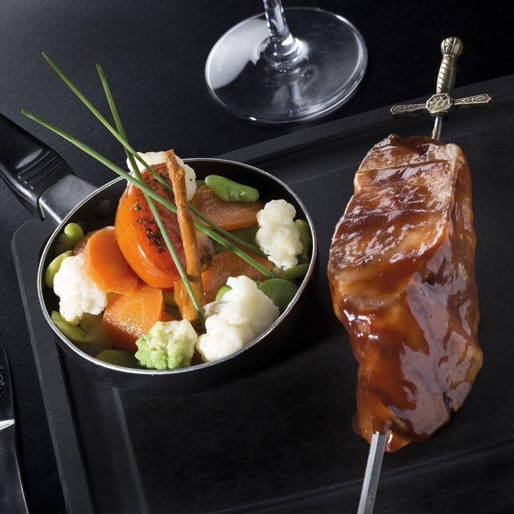 Garniture Tailler tous les légumes en gros morceaux pour favoriser une meilleure tenue et une meilleure infusion. Cochon Ibérique Cuire dans un grand volume d'eau...