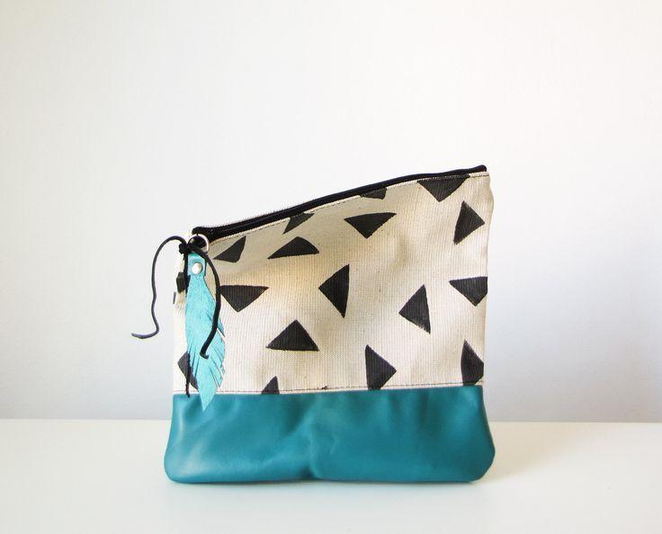 Geométrica embrague bolso cuero verde azulado doblez por byMART