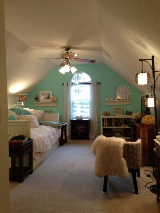 "Mary Anne's ""Ocean Vacation"" Room Room for Color Contest.  Oh, I have this shaped bedroom (upstairs in Cape Cod).  Aqua or mint used on accent wall is a great idea!"