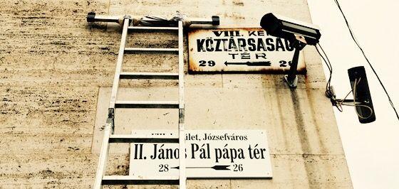 Elég+volt+a+hátrafelé+nyilazásból.+Találjuk+ki+és+alkossuk+meg+közösen+Magyarország+bátor,+új+jövőképét!+Az+illiberalizmus+előtt+és+után+című+új+vitasorozatunk+azt+járja+körbe,+hogy+mitől+omlott+össze+a+liberális+demokrácia+Magyarországon.+A+vitasorozat+első+irata+ezt+a+témát+közelíti+meg+a+képviselet...