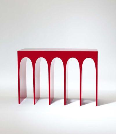 Herve Van der Straeten -- 414 Console Passage Aluminium Laque Rouge