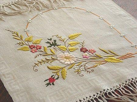 Сердце Античная Эма Постельное белье-Antique Общество Шелковый Вышитые монограммой Показать Полотенце