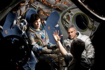 'GRAVITY' REVIEW: GEORGE CLOONEY IS A WEAK LINK IN AN OTHERWISE REMARKABLE FILM