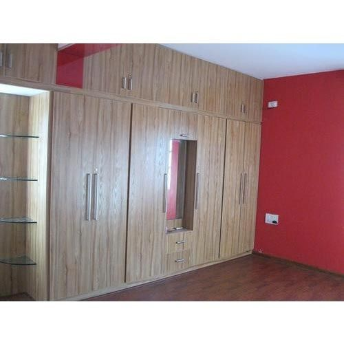 Wardrobe designs for bedroom indian laminate sheets for Bedroom cupboard designs in india