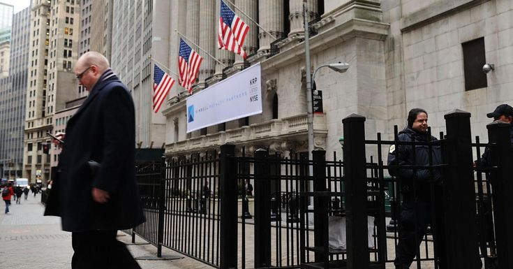 CNBCStocks are struggling to get out of the red. The Dow Jones Industrial Average and S&P 500 posted their first back-to-back declines since January over the first two days of this week. Pundits and hedge fund managers are worried about a rally that's ...MarketWatchMarket #–, #A, #Before, #CNBC, #Correction, #Critical, #Make, #Market, #Move, #To