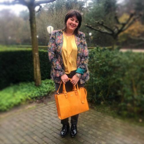 40days jasje Edith Dohman gele tas invito