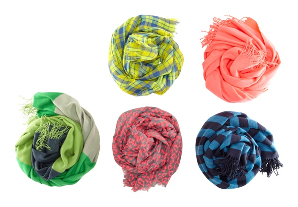 Patterned scarfs #GapLove