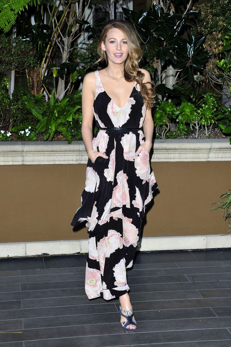 Ryan Reynolds: Blake Lively Is 'Really Intense' When She Gets Dressed via @WhoWhatWearUK