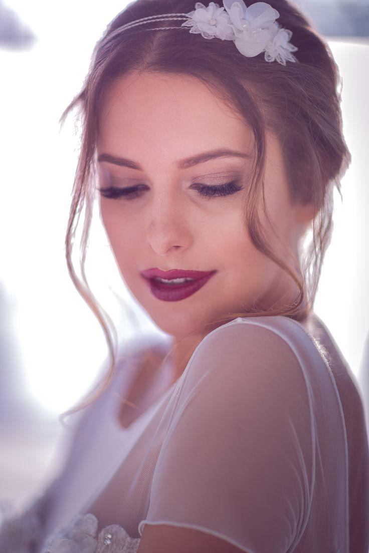 Aleksandra Miroslaw SS 2017 bridal collection. #weddingdress #shortdress #bridalgown #hairband