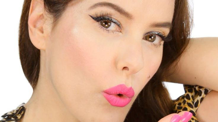 Easy Summertime Pink Makeup Tutorial - Pin Up Inspired. http://www.lisaeldridge.com/video/26475/summertime-pin-up-inspired-make-up-look/