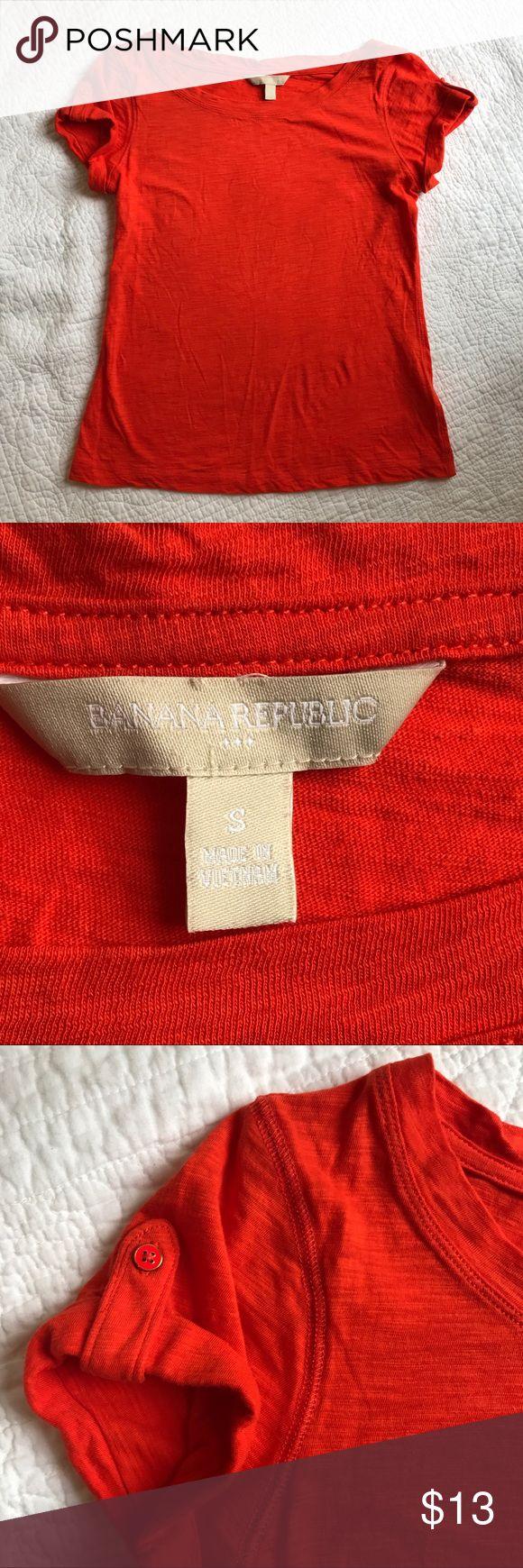 Banana Republic Tshirt - size S Short sleeves   buttoned detail   coral   small   EUC Banana Republic Tops Tees - Short Sleeve