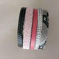 Bracelet manchette multirang en cuir noir serpent et corail