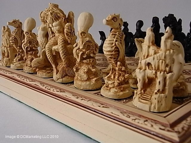 Plain theme chess pieces, chess board pieces from our collection of chess piece sets.