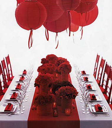 Red: Tables Sets, Idea, Paper Lanterns, Color, Valentines Day, Dinners Parties, Valentinesday, Tables Decor, Red Wedding