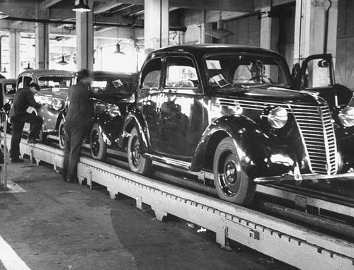 1940 New Fiat cars on the assembly line at the Fiat factory