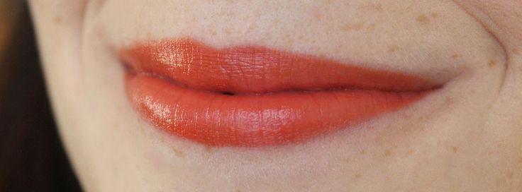 Rouge à lèvres TwistUp d'Annabelle en Kiss ! Belle teinte citrouille très pigmentée ;) #24Jours #Annabelle #Cosmétiques #lips #swatch