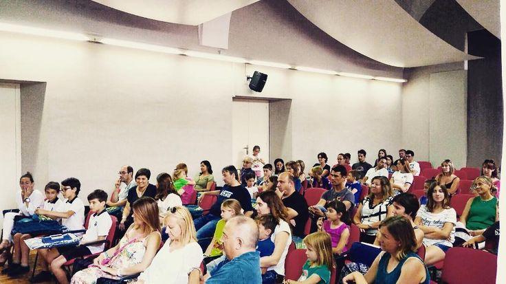Reunión de MAX CAMPS en #Girona #rightnow #Colonias  #Colonies #Campamento #Camp #Niños #Jóvenes #adolescentes #summer #young #teenagers #boys #girls #city #english #inglés #idioma #awesome #Verano #friends #group #anglès #cursos #viaje #travel #WeLoveBS