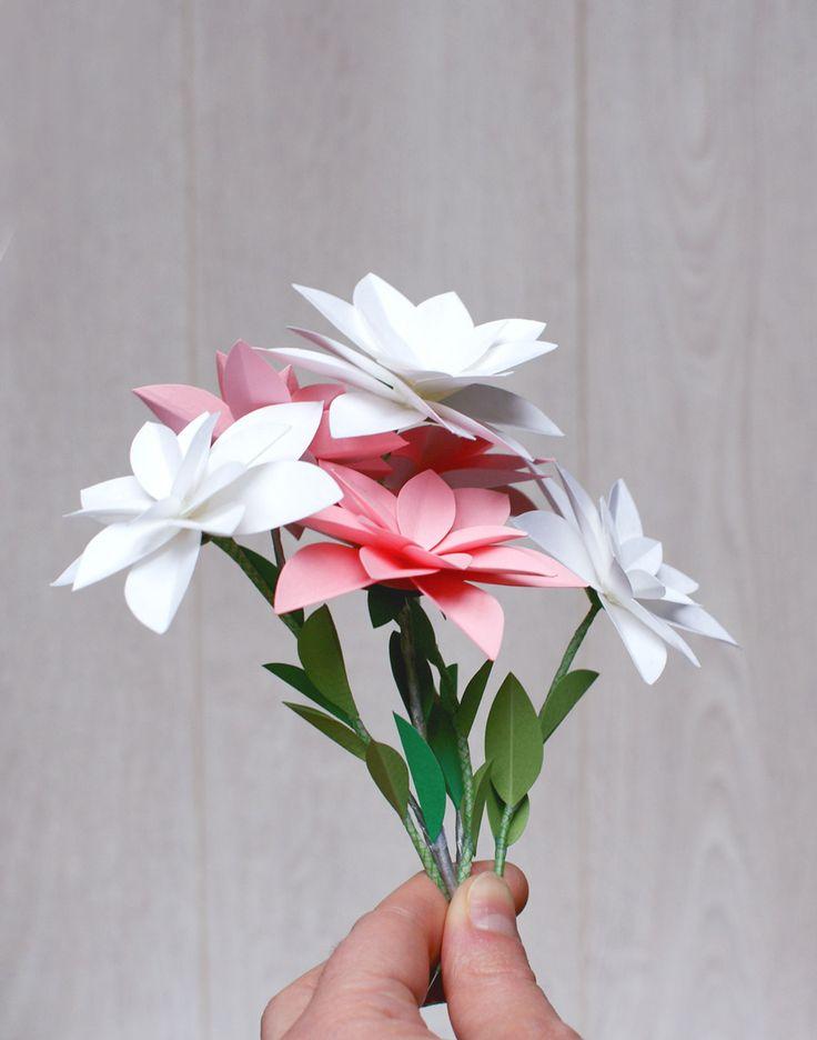 17 meilleures id es propos de bouquet en origami sur pinterest fleurs en - Video de fleur en papier ...