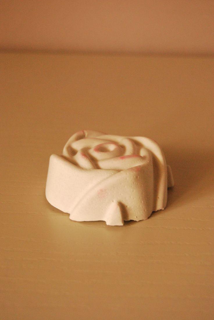 profumato dessert a forma e fragranza di rosa tea!!!
