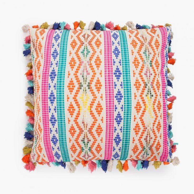 Exclusiva funda de cojín en jacquard 100% algodón. Diferentes medidas y colores. Todos los cojines que puedas soñar están en CALMA HOUSE.