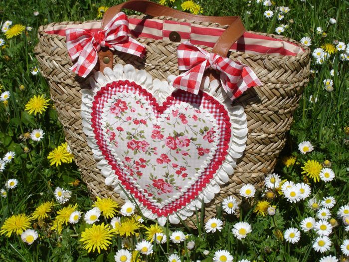 capazo corazón flores 3