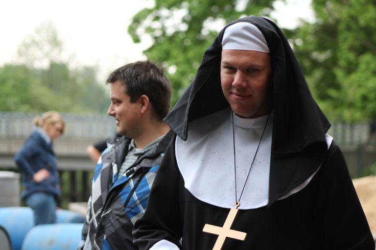 Amen;) #vrijgezellenfeesten voor mannen en/of vrouwen!  http://www.wilgenweard.nl/vrienden/vrijgezellenfeest