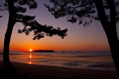 Sunset (Ha islet, Byeonsan peninsula, Jeollabuk-do.)