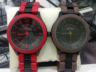 Marc Jacobs Color Fiber Harga : Rp 230.000,- Spesifikasi : Tipe : jam tangan unisex (pria dan wanita) Kualitas : kw super Diameter : 4cm Tali : rantai fiber  Pemesanan : SMS : 081802959999 Pin BB : 270C3124 TERIMA RESELLER