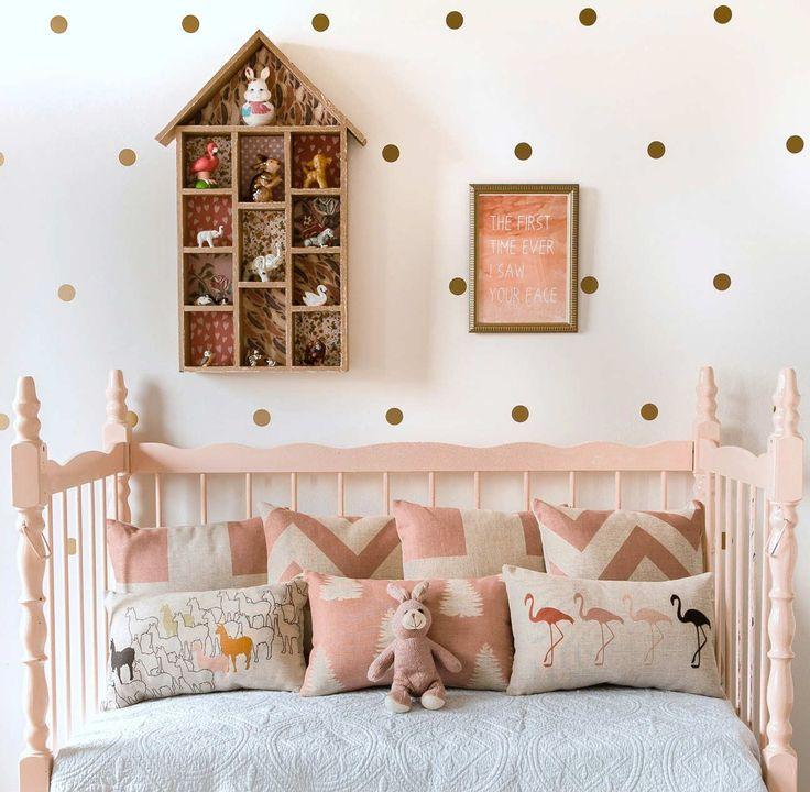 17 meilleures id es propos de murs pois sur pinterest for Chambre bebe petite surface