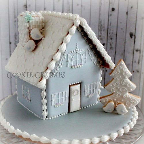 Amazing winter gingerbread house! Now I'm really sad that I didn't get round to making one this year... https://www.flickr.com/photos/mint_lemonade/15706391189/