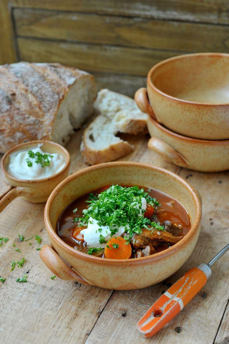 """Het lekkerste recept voor """"Goulashsoep"""" vind je bij njam! Ontdek nu meer dan duizenden smakelijke njam!-recepten voor alledaags kookplezier!"""