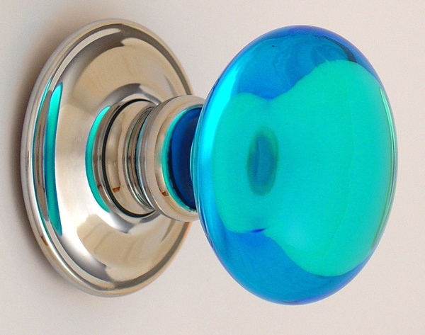 1000 images about knobs on pinterest for Turquoise door knobs