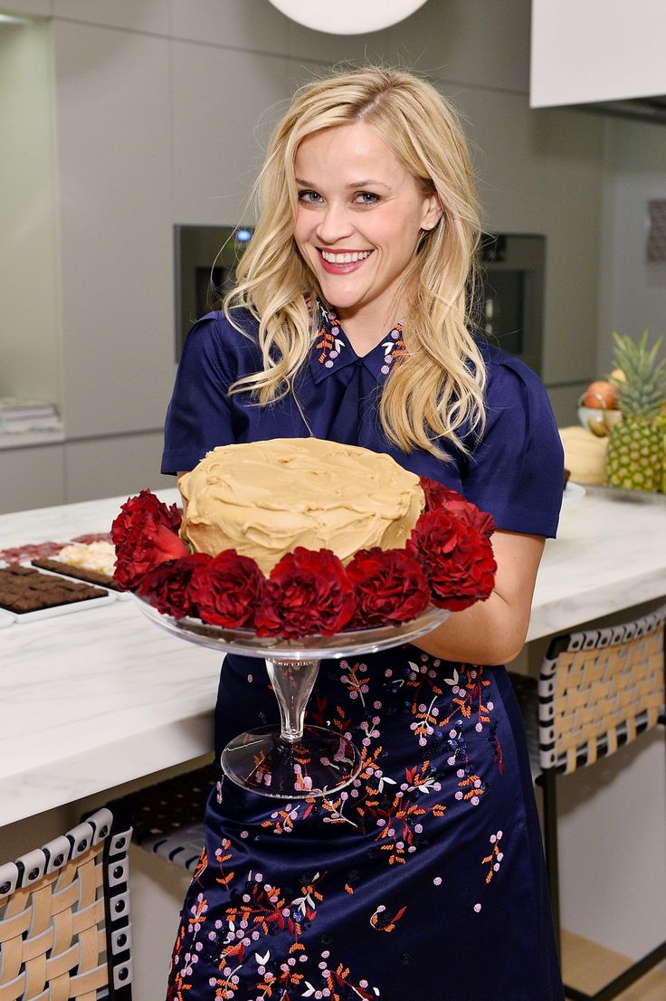 Reese Witherspoon - The Sprinkles Baking Book Pre-Release Party in Beverly Hills 10/18/16