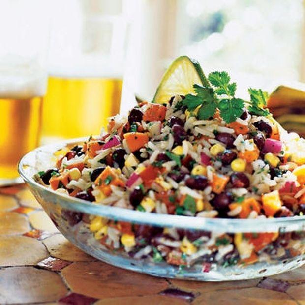Φανταστική ρυζοσαλάτα με ζουμερά λαχανικά σε χρόνο dt