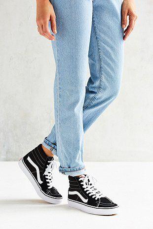 "Vans – Sneaker ""SK8-Hi"" aus Wildleder in Schwarz - Urban Outfitters"