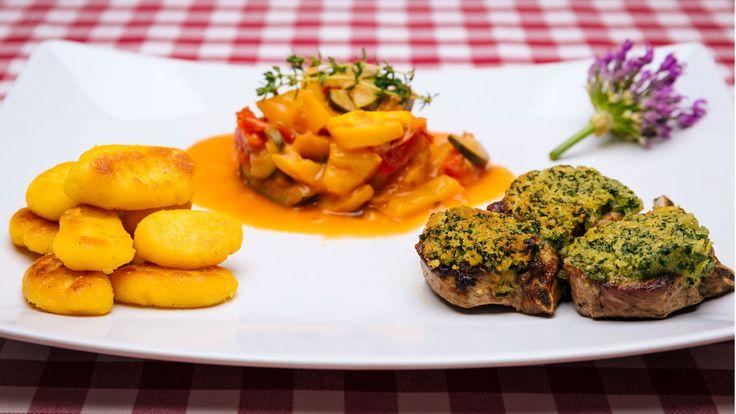 Hauptspeise: Lammkotelett mit Bärlauchkruste auf Ratatouille   Startseite   Lecker aufs Land