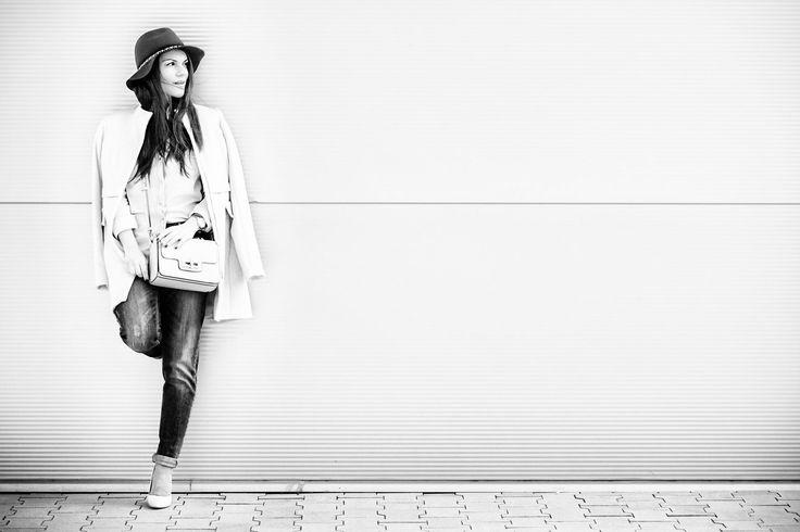 waiting by Romana Pavlova Chudikova on 500px