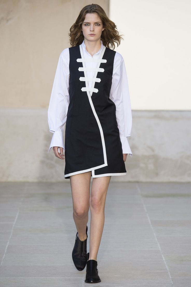 Each x Other Spring 2016 Ready-to-Wear Fashion Show - Odette Pavlova (Next):