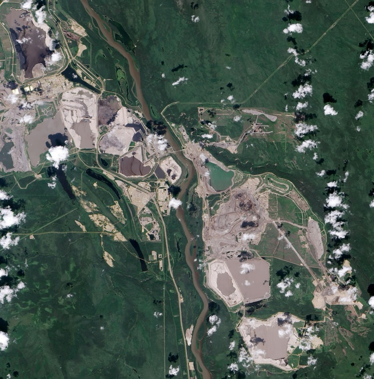 Athabasca oil sands mine