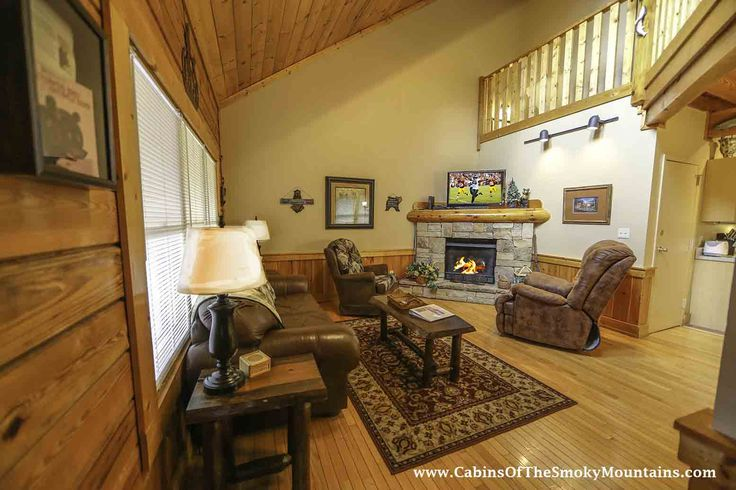 Official site for Growly Bear cabin in Pigeon Forge. Book online and get over $400 in Trip Cash attraction tickets FREE.