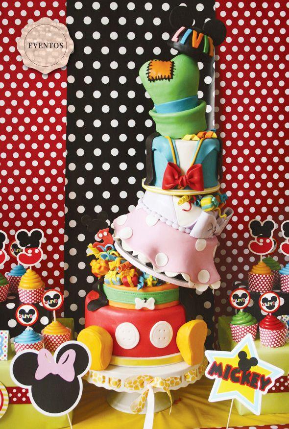 love this Disney themed cake