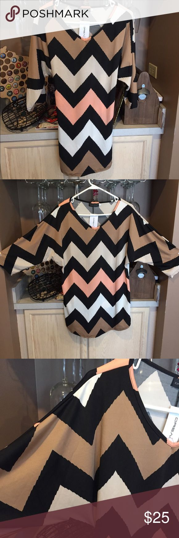 Chevron tunic top🐾 Brown/cream/white/salmon color chevron. Long length. Batwing type sleeves. Form fitting but very stretchy. 35% cotton 65% polyester. Brand new, never been worn. Tops Tunics