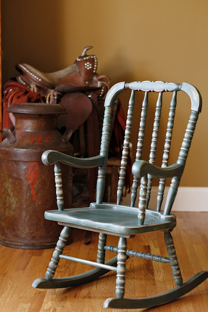 How to refinish a chair to make it look weathered - love this woman's blog