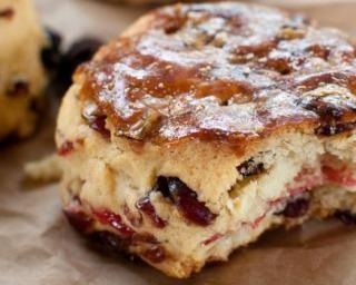 Scones allégés aux raisins secs et cranberries : Savoureuse et équilibrée | Fourchette & Bikini