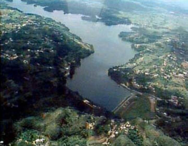 El lago guajataca es un lago artificial construi do en el for Como construir un lago artificial